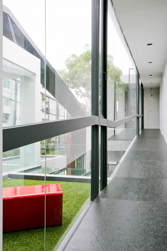 Chokchai-4-House-by-Archimontage-Design-Fields-Sophisticated-08