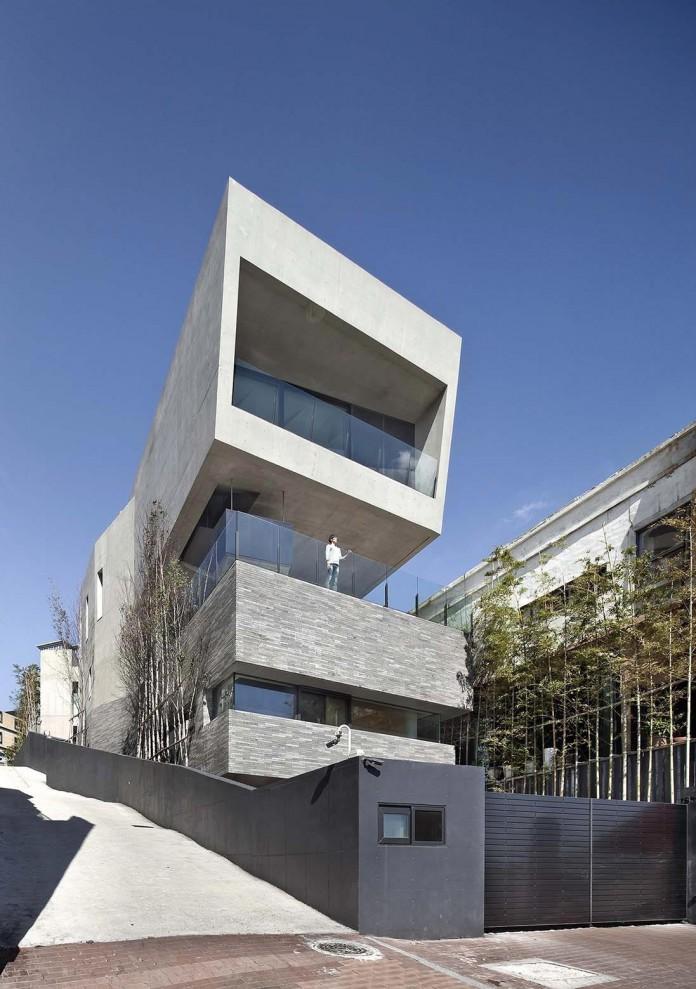 Concrete-Ultramodern-Sondo-House-in-South-Korea-by-architect-K-03