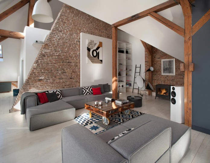 Contemporary-Attic-Apartment-in-the-Poznan-City-Center-by-Cuns-Studio-02