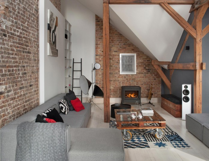 Contemporary-Attic-Apartment-in-the-Poznan-City-Center-by-Cuns-Studio-04