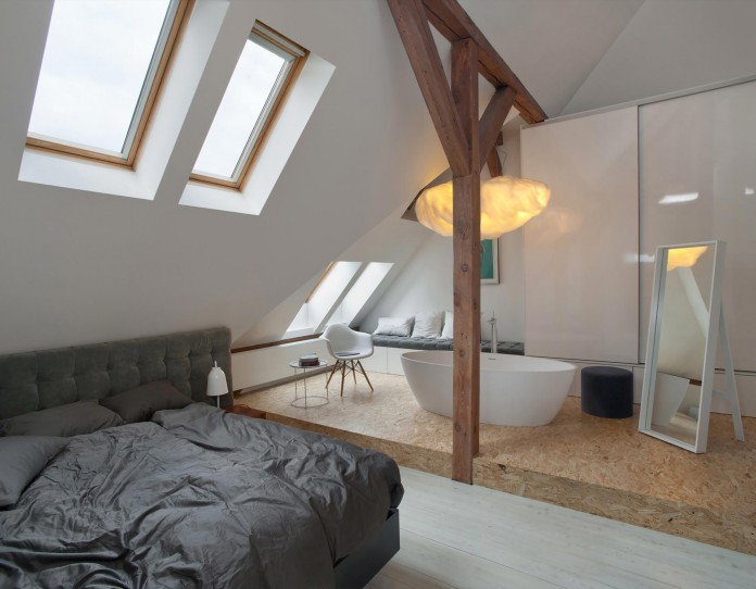 Contemporary-Attic-Apartment-in-the-Poznan-City-Center-by-Cuns-Studio-05