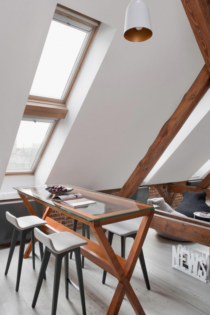 Contemporary-Attic-Apartment-in-the-Poznan-City-Center-by-Cuns-Studio-11