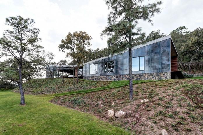 Contemporary-GG-House-by-Elias-Rizo-Arquitectos-02