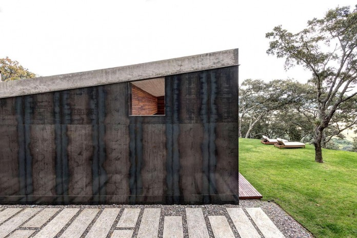 Contemporary-GG-House-by-Elias-Rizo-Arquitectos-03