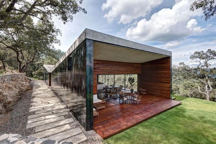 Contemporary-GG-House-by-Elias-Rizo-Arquitectos-04