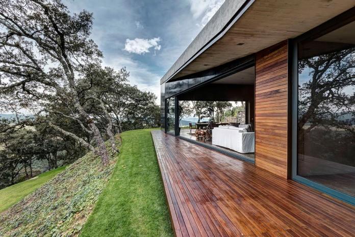 Contemporary-GG-House-by-Elias-Rizo-Arquitectos-06