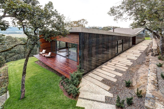 Contemporary-GG-House-by-Elias-Rizo-Arquitectos-07