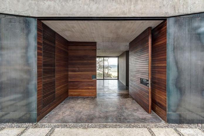 Contemporary-GG-House-by-Elias-Rizo-Arquitectos-09