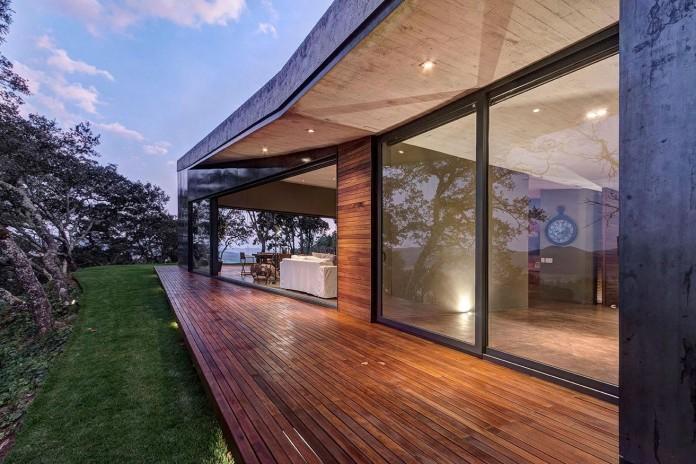 Contemporary-GG-House-by-Elias-Rizo-Arquitectos-13