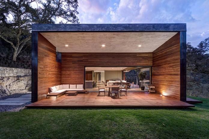 Contemporary-GG-House-by-Elias-Rizo-Arquitectos-14