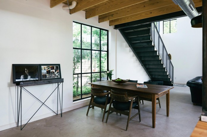 Contemporary-Garden-Street-Residence-in-Austin-by-Pavonetti-Architecture-04
