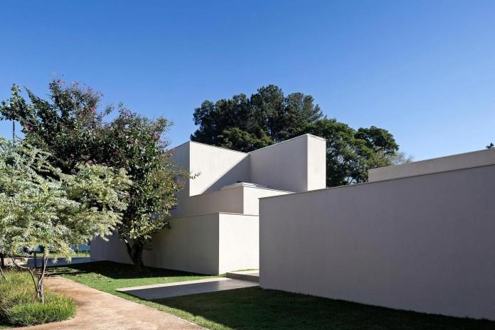 Contemporary-Paineira-House-by-Bloco-Arquitetos-03