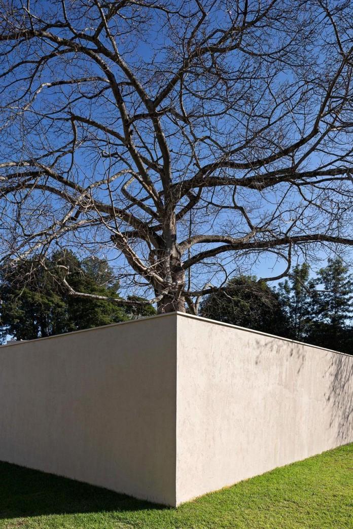 Contemporary-Paineira-House-by-Bloco-Arquitetos-06