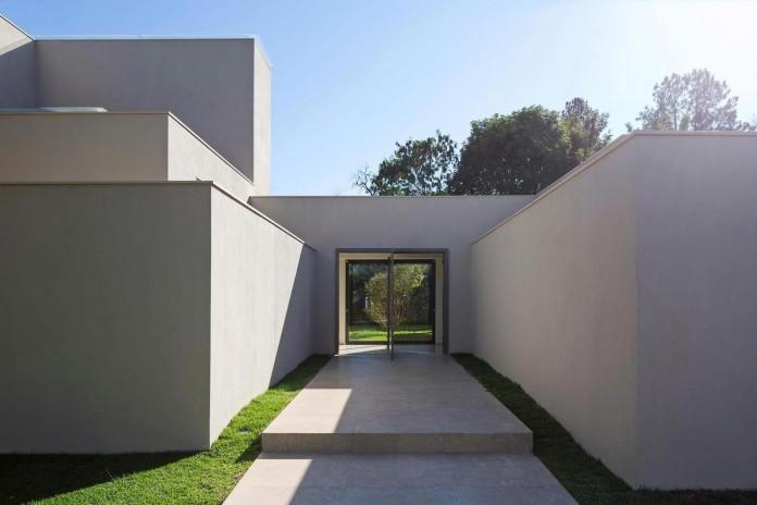 Contemporary-Paineira-House-by-Bloco-Arquitetos-07