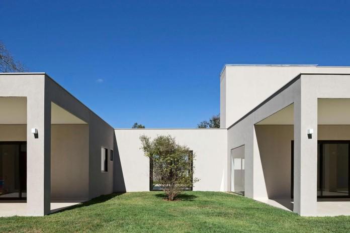 Contemporary-Paineira-House-by-Bloco-Arquitetos-10