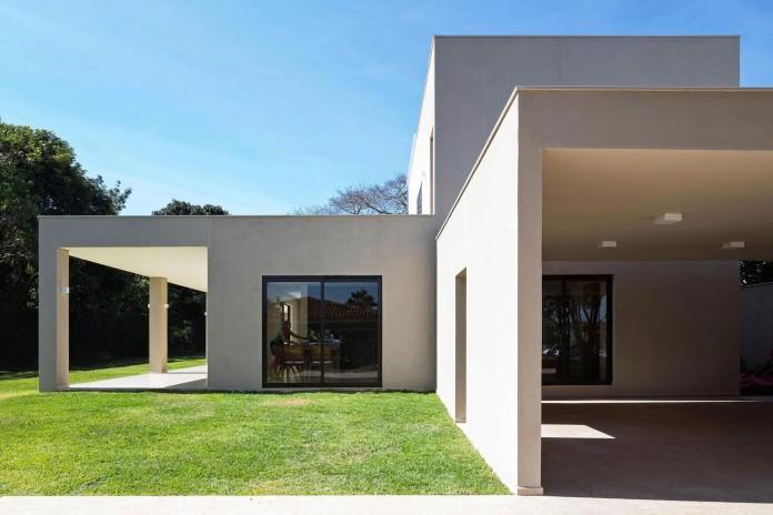 Contemporary-Paineira-House-by-Bloco-Arquitetos-15