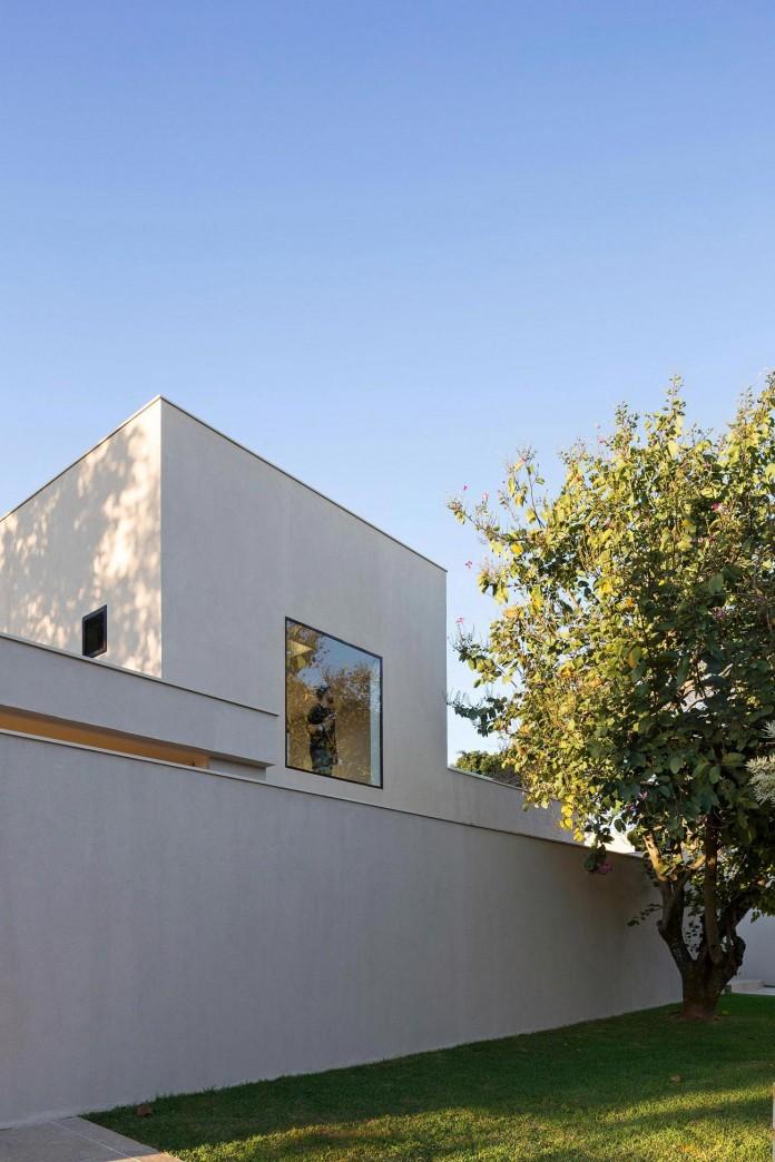 Contemporary-Paineira-House-by-Bloco-Arquitetos-17