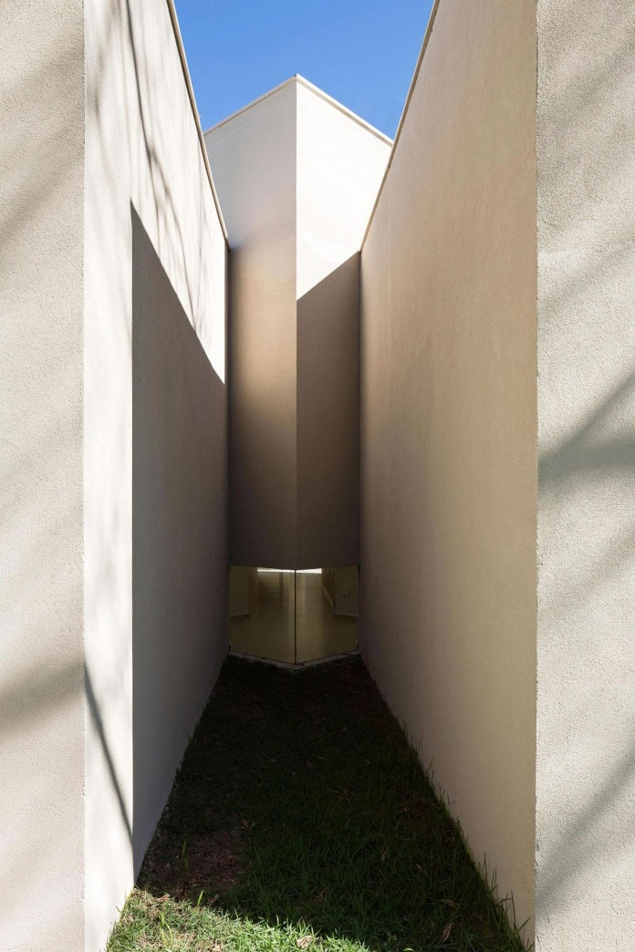 Contemporary-Paineira-House-by-Bloco-Arquitetos-18