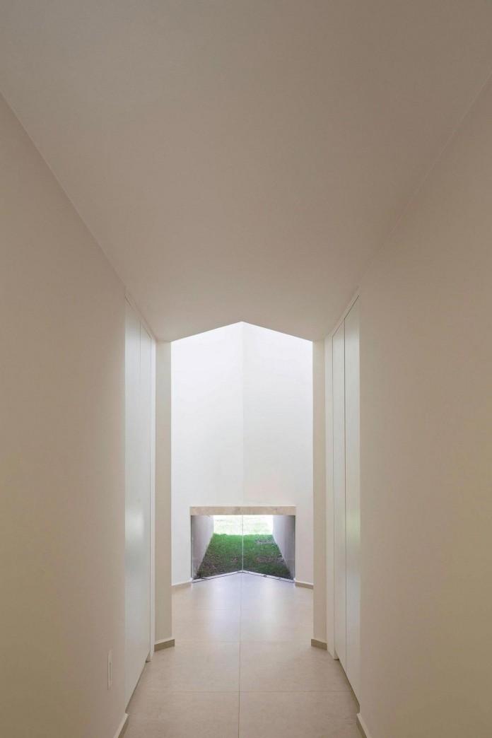 Contemporary-Paineira-House-by-Bloco-Arquitetos-20