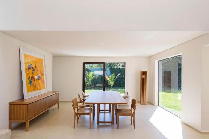 Contemporary-Paineira-House-by-Bloco-Arquitetos-25