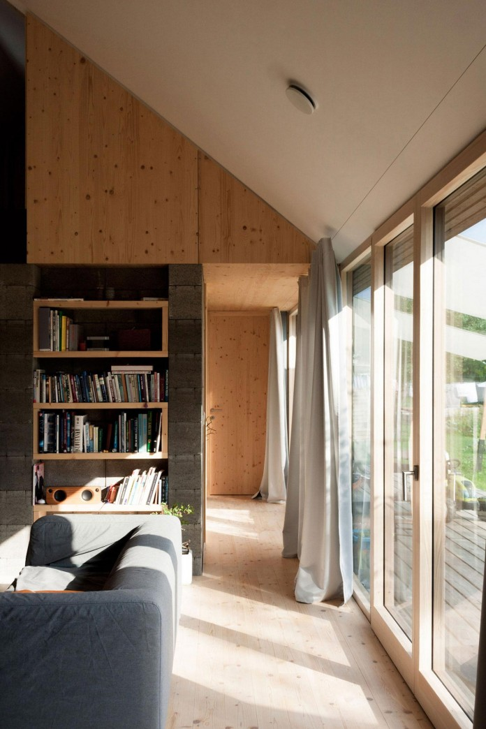 DomT-Wooden-Home-by-Martin-Boles-Architect-08