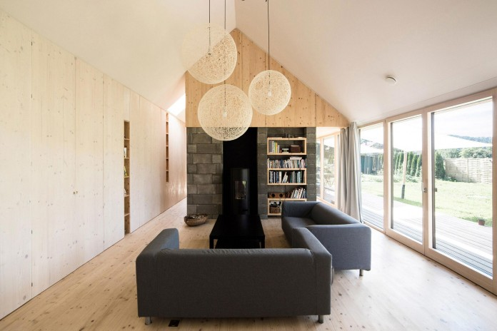 DomT-Wooden-Home-by-Martin-Boles-Architect-10