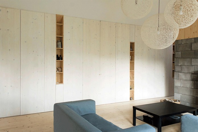 DomT-Wooden-Home-by-Martin-Boles-Architect-11