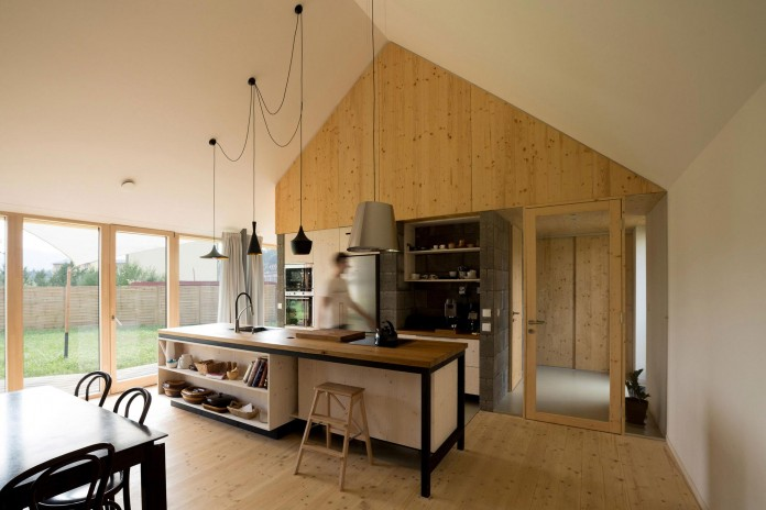 DomT-Wooden-Home-by-Martin-Boles-Architect-13