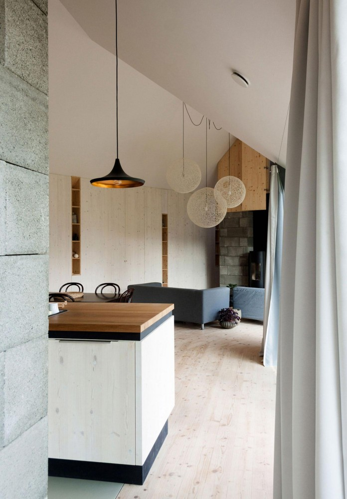 DomT-Wooden-Home-by-Martin-Boles-Architect-15