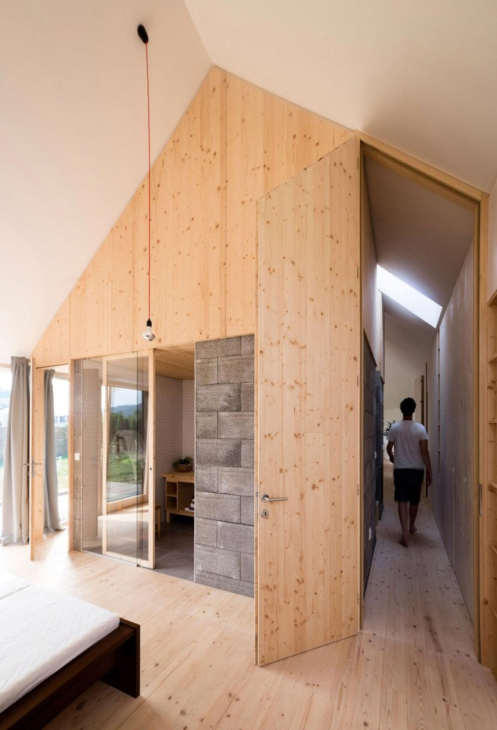 DomT-Wooden-Home-by-Martin-Boles-Architect-17