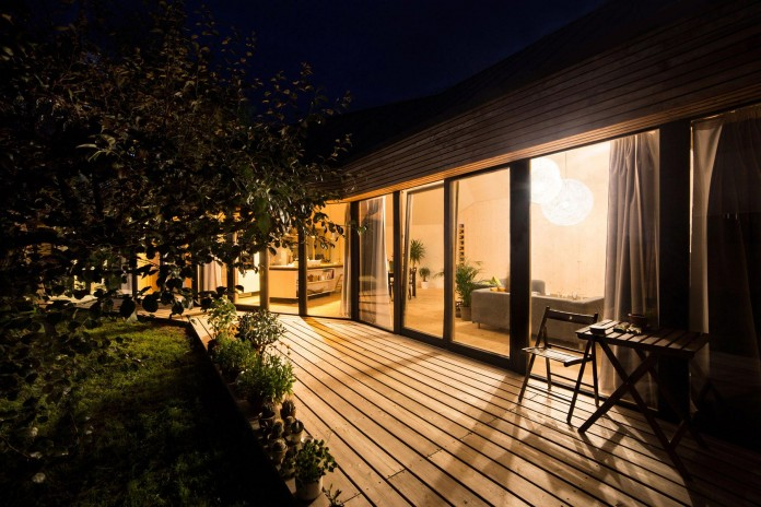 DomT-Wooden-Home-by-Martin-Boles-Architect-24