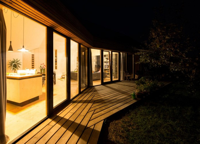 DomT-Wooden-Home-by-Martin-Boles-Architect-25