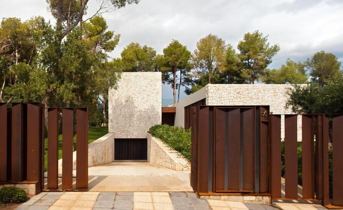 El-Bosque-House-by-Ramon-Esteve-02