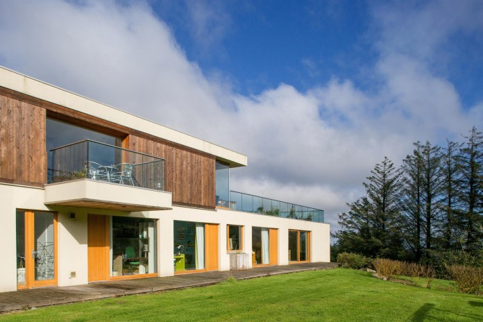 Folding-Farm-House-with-panoramic-views-of-Dublin-by-Box-Urban-Design-Architecture-13