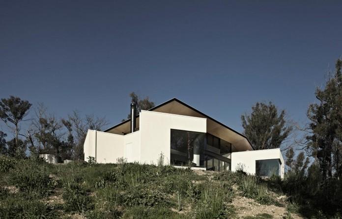 Hillside-Habitat-Residence-overlooking-the-Kinglake-National-Park-by-Edwards-Moore-02