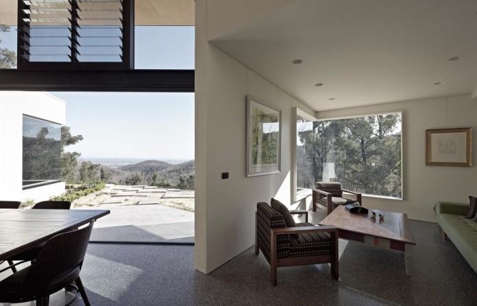 Hillside-Habitat-Residence-overlooking-the-Kinglake-National-Park-by-Edwards-Moore-08