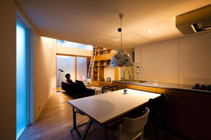 House-in-Nagoya-by-Atelier-Tekuto-11