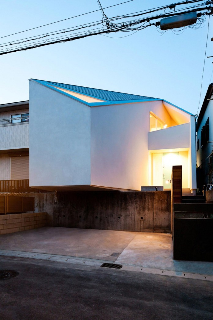 House-in-Nagoya-by-Atelier-Tekuto-21