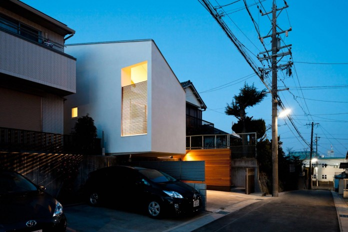 House-in-Nagoya-by-Atelier-Tekuto-22
