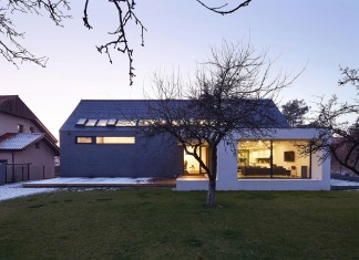 House in Slate by RS+
