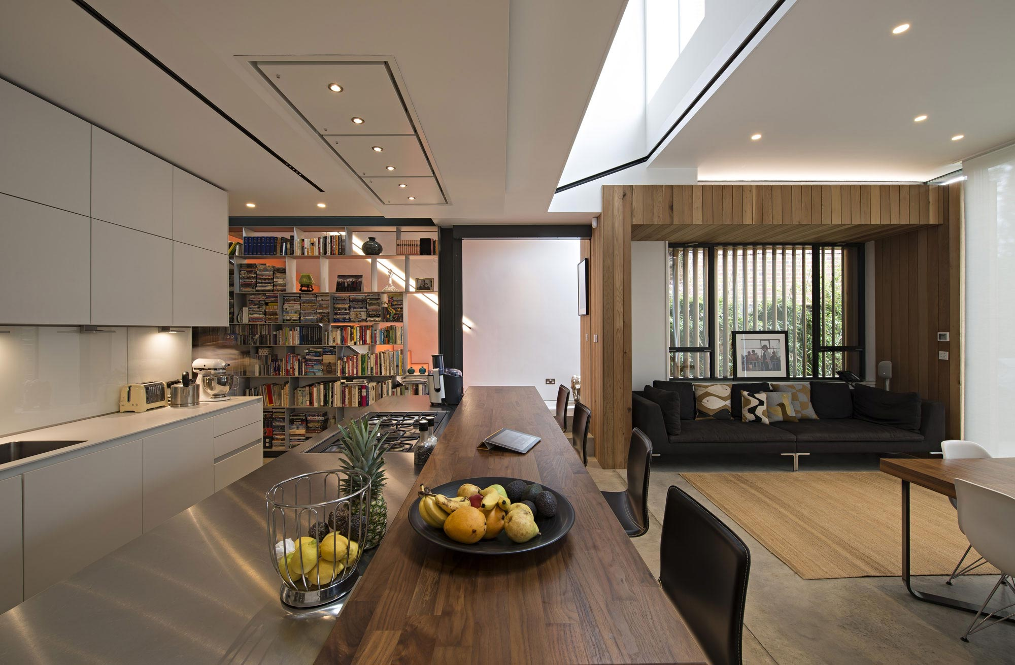 House of books residence in london by shh architects for Home architecture books