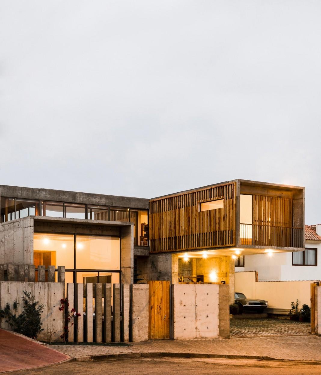 Jardines del Sur House by DX Arquitectos