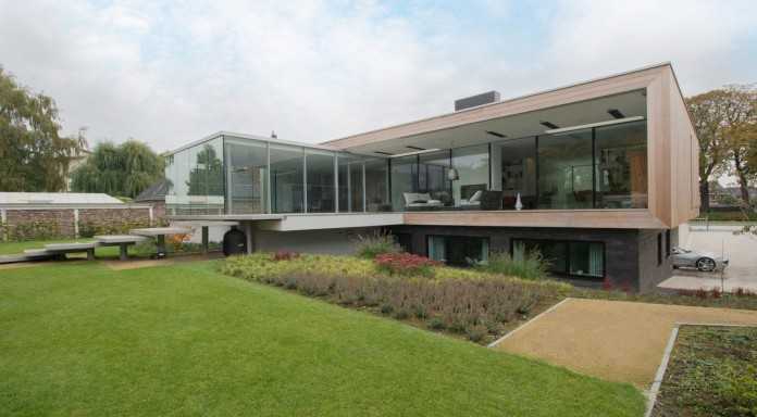LIAG-architects-designed-M-House-in-The-Hague-02
