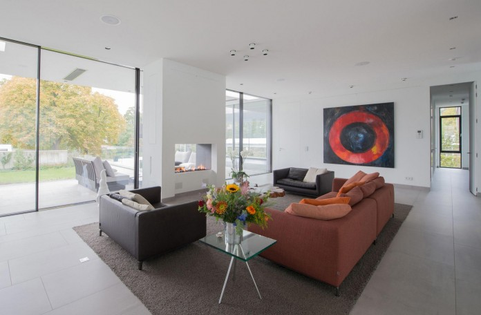LIAG-architects-designed-M-House-in-The-Hague-06