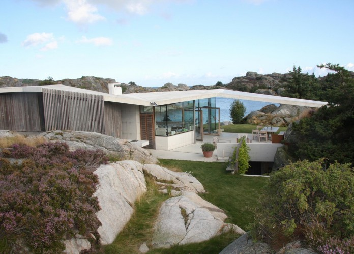 Lyngholmen-Residence-with-magnificent-ocean-views-by-Lund-Hagem-05