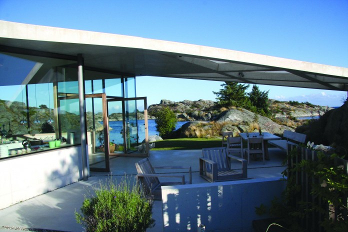 Lyngholmen-Residence-with-magnificent-ocean-views-by-Lund-Hagem-12
