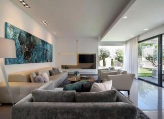 Minimalist Home in Bat Hadar by BLV Design / Architecture