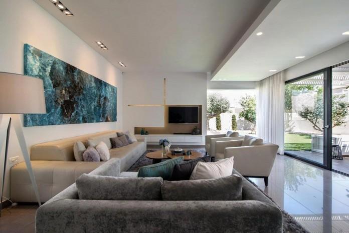 Minimalist-Home-in-Bat-Hadar-by-BLV-Design-Architecture-03