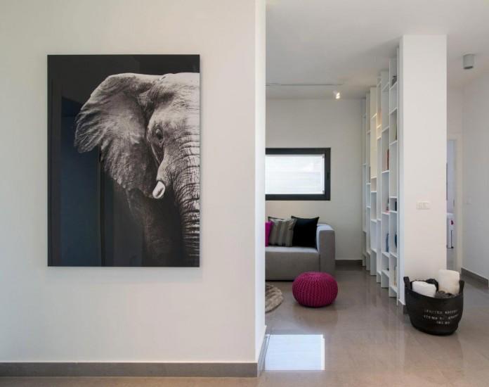 Minimalist-Home-in-Bat-Hadar-by-BLV-Design-Architecture-05