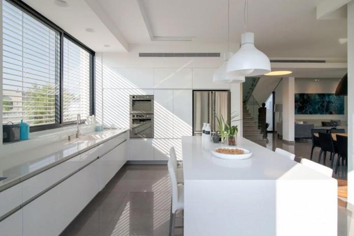Minimalist-Home-in-Bat-Hadar-by-BLV-Design-Architecture-07